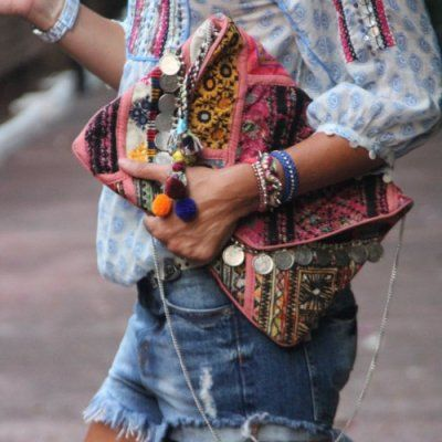 Here's How to Carry a Fabulous Clutch Purse Anywhere You Go ...