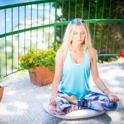7 Best Books about Meditation to Make You Feel More Zen-like ...