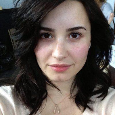 Skip the Makeup: Go Bare-face like These Celebs ...