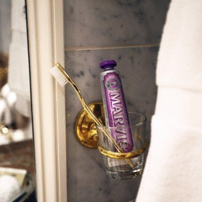 9 Uses of Toothpaste Other than for Scrubbing Your Pearly Whites ...