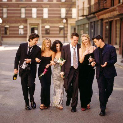 7 Classic Outfits from Friends You Can Steal for Yourself ...