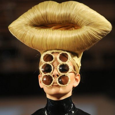 Wait Till You See These Bizarre Runway Pictures ...