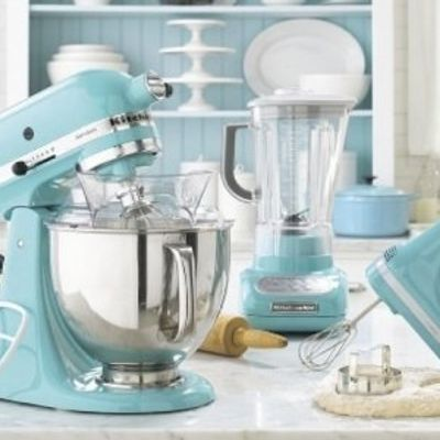 7 Must Have Kitchen Tools That Will Make Preparing Meals a Breeze ...