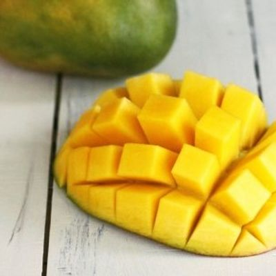 7 Steps for Cutting a Mango and Getting to the Delicious Fruit ...