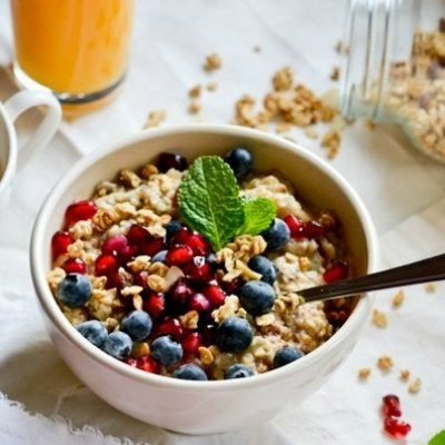 21 Tempting Bowls of Oatmeal to Start Your Morning Right ...