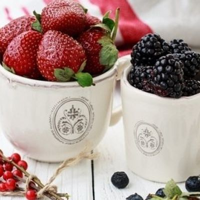 7 Delicious Berries with Mega Health Benefits ...