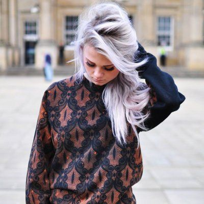 Granny Glam! a Foolproof Guide to Mastering the Grey Hair Trend ...