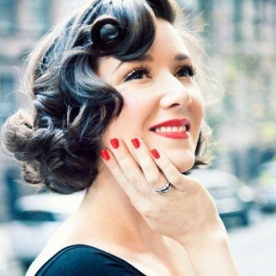 7 Pinup Girl Hairstyles Youll Look Hot Wearing ...
