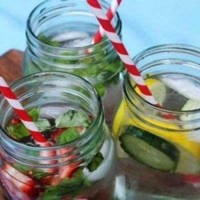 7 Helpful Ways to Drink 8 Glasses of Water a Day and Enjoy Them ...