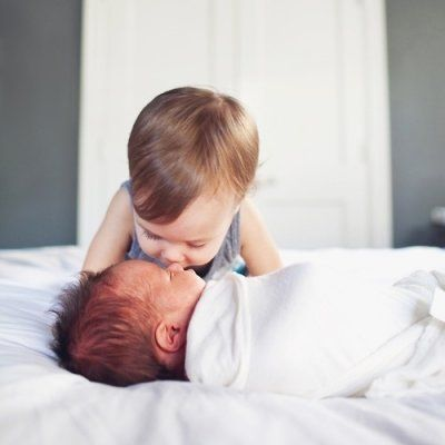 Are You the Firstborn? What Being the Oldest Sibling Says about You ...