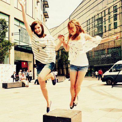 Achieve BFF Status by Becoming the Perfect Wingwoman ...