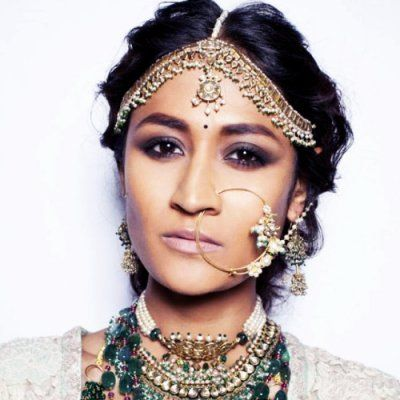 You Must Try on These Awesome Types of Forehead Jewelry ...