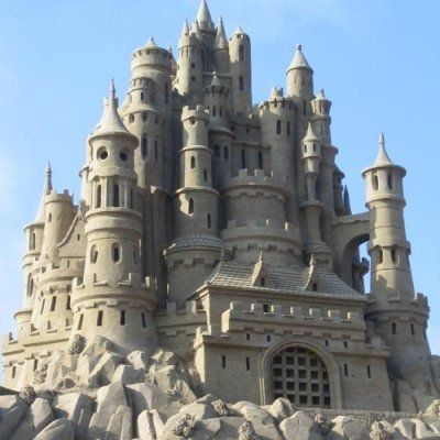 34 Stunning Sandcastles to Say Farewell to Summer ...