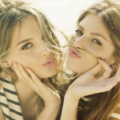 7 Ways That Being an Aquarius Benefits Your Friendships ...