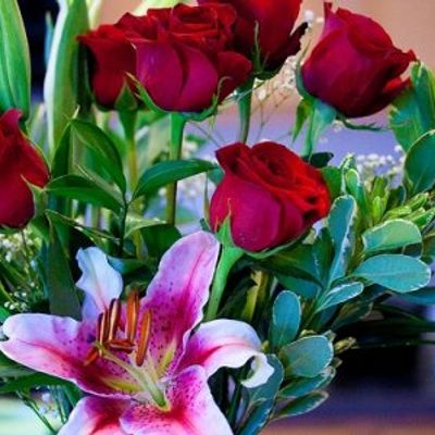 10 Gorgeous Flowers You Can Send ...