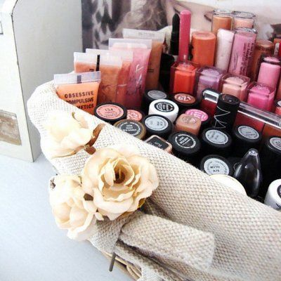 7 Ways to Get Every Bit of Make-up from the Containers ...