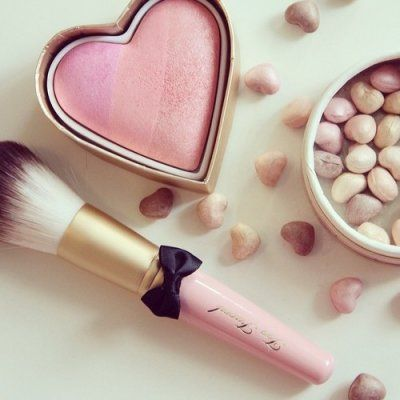 7 Tips for Applying Pink Blush the Right Way ...