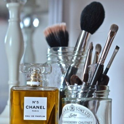 Makeup 101: Cleaning Your Makeup Brushes ...