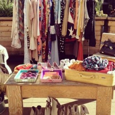 7 Amazing Ways to Have a Hit Yard Sale ...