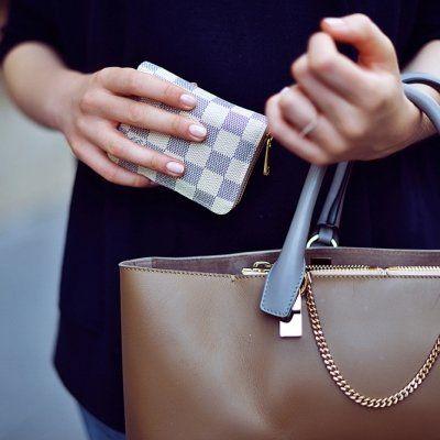 Amazing Wallet Hacks for Girls Who Always Overspend ...