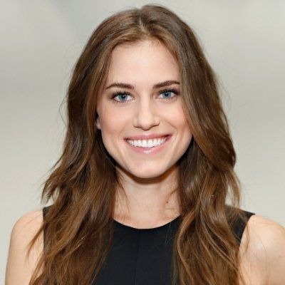 Allison Williams Doesn't Want to Grow up in New 'Peter Pan Live' Promo ...