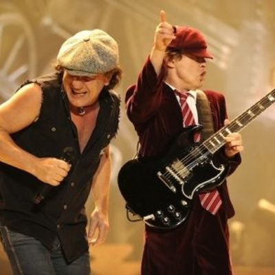 7 Reasons Why You Should Watch AC/DC Live at Least Once before You Die ...