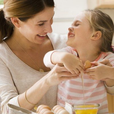 7 Ways to Keep Kids Occupied While You Cook ...