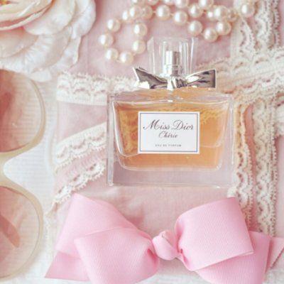 7 Fabulous New Ways to Wear Perfume ...