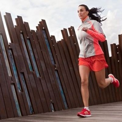 7 Ways to Beat Side Stitches While Running ...