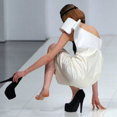 Can't Handle Heels? 7 Tips to Make Walking in Them Way Easier ...