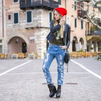 7 Street Style Outfit Ideas with Ripped Jeans That You'll Have Fun Recreating ...