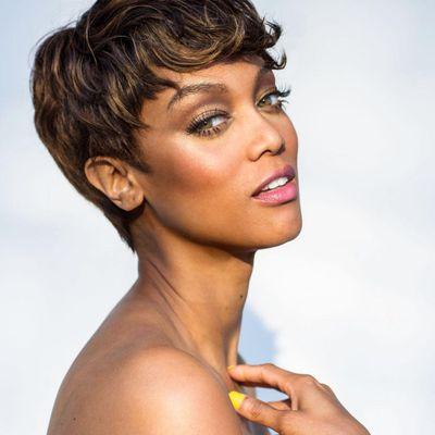 Tyra Banks' Two-Minute Makeup Tutorial ...