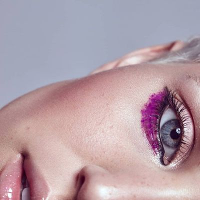 How to Apply Eyeshadow without Making Any Mistakes ...