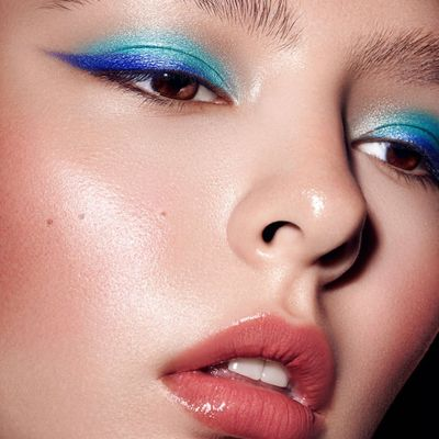 21 Products to Help You Try the Electric Liner Trend ...