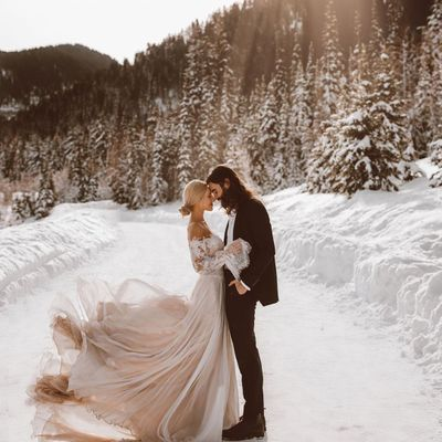 Warm up Your Winter Wedding with These Tasteful Tricks ...