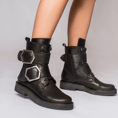 7 Fool-Proof Ways to Style Biker Boots ...