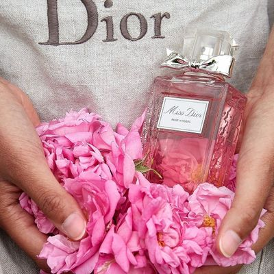 9 Best Ever Tips for Wearing Perfume ...