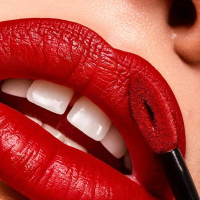 7 Magical Tricks for Girls Who Want Everyone's Eyes on Their Lips ...