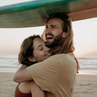 7 Subtle Signs You're Dating a Complete Jerk ...