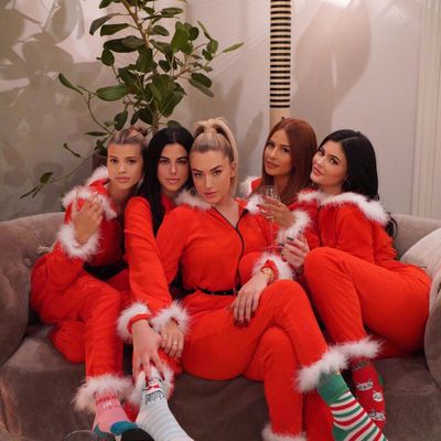 7 Fun Ways to Celebrate Christmas with Your Friends ...