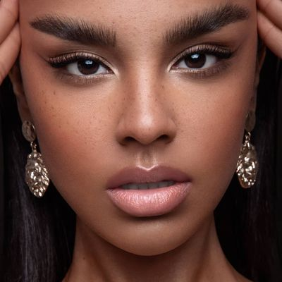7 First Date Makeup Dos and Donts to Remember ...