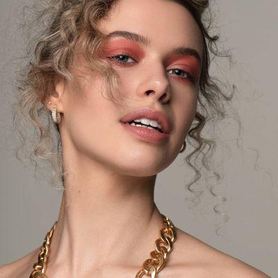 8 Makeup Tips for Fair Skin ...