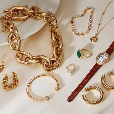 A Fashionista's Style Guide to Wearing Bracelets ...