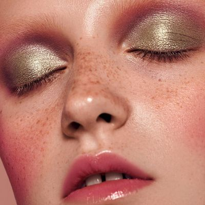 7 Stunning Golden Makeup Looks for Fall for Girls Wanting Something New ...
