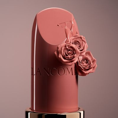 13 Gorgeous Lipstick Shades for Pale Skin ...