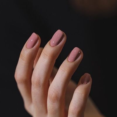 Best Nail  Inspo for These Holidays  ...