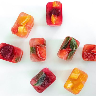 Fruit Infused Ice Cubes 🍒🍓🍎🍉for Girls Who Are Bored with Their Water 🙄 ...
