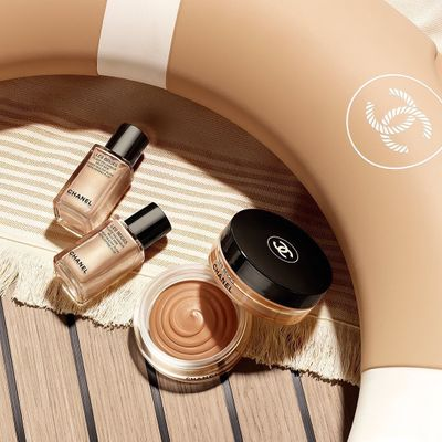 7 Easy Ways to Apply Foundation ...