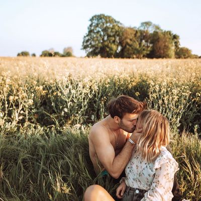 7 Intimate Date Ideas That Will Help You Bond as a Couple ...