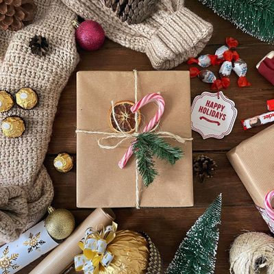 A Step by Step Guide 📕 to Gorgeous Gift Wrapping 🎁 ...